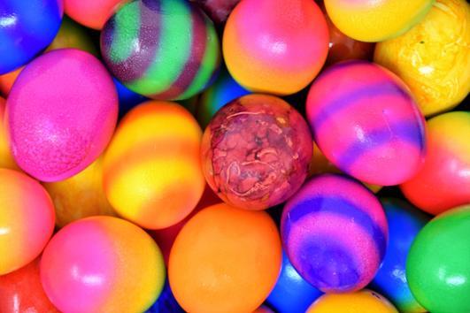 Pasen gekleurde eieren